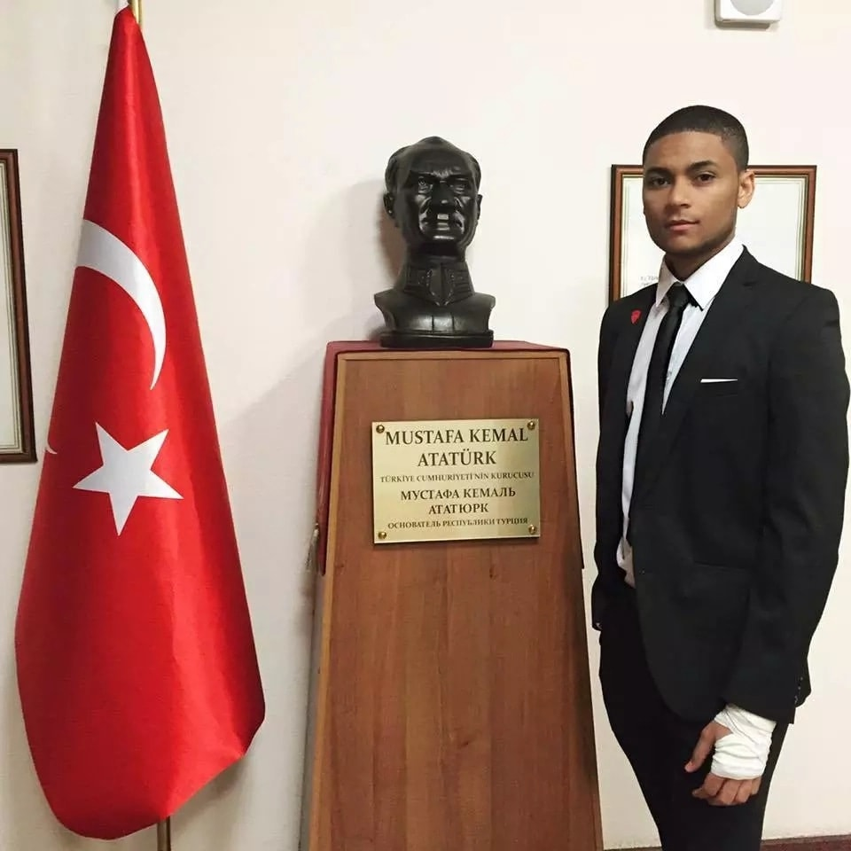 Photo of A Nigerian graduates as the best student from Russian medical school, with an incredible CGPA